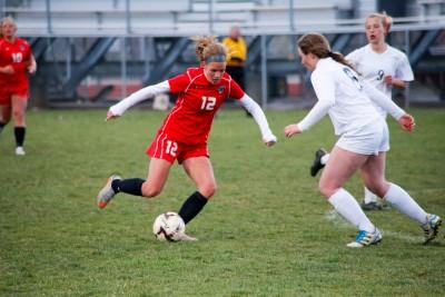 Natalie Bohlmann takes on Glenwood defender