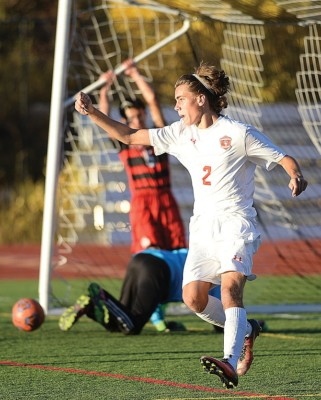 Steamboat's Murphy Bohlmann scores hat trick against Glenwood Springs