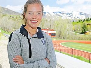 2016 Senior Natalie Bohlmann
